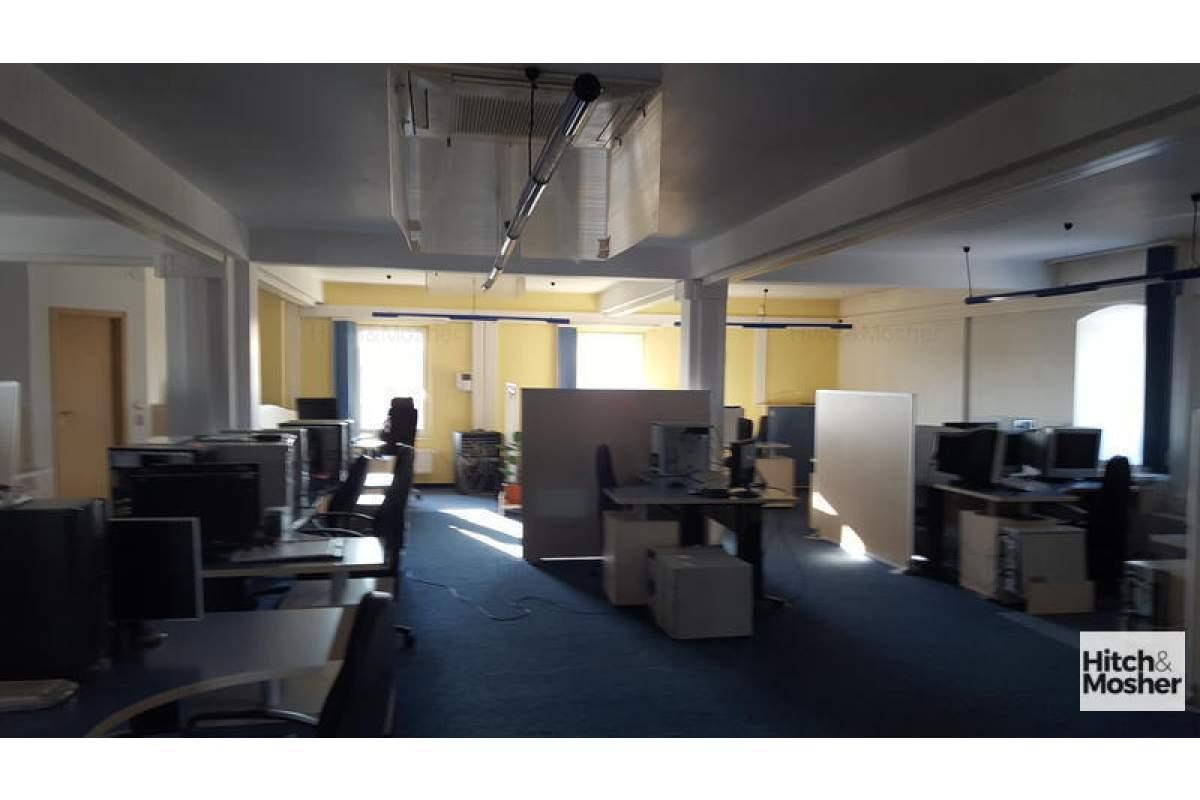 De inchiriat spatii birouri