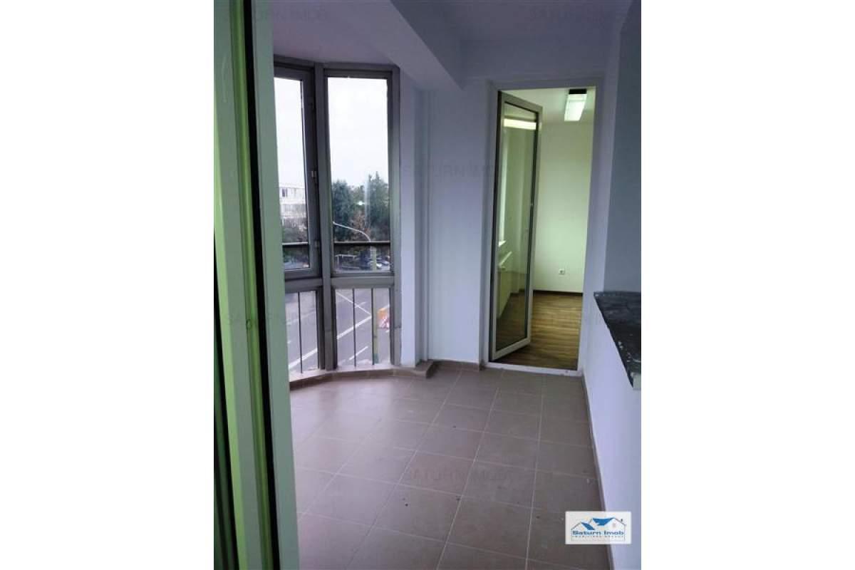 Inchiriem Apartament 3 Camere Nemobilat Decomandat Centrul Civic