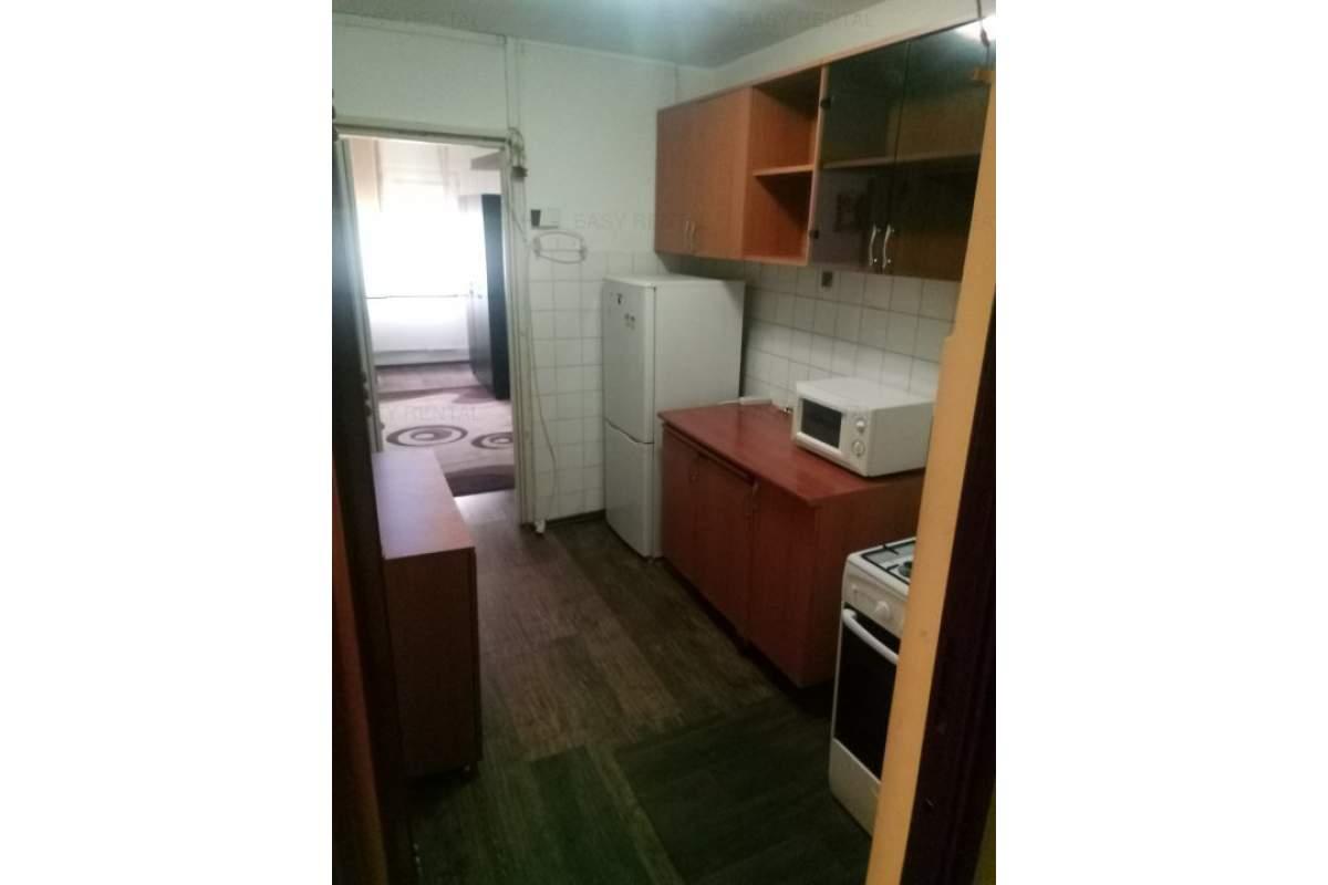 Inchiriez Apartament 1 camere, Complex Studentesc - Central ! 250 Euro neg !