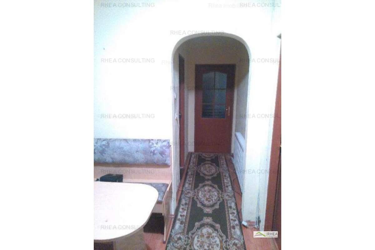 Inchiriez apartament 2 camere dec, cu balcon, Manastur