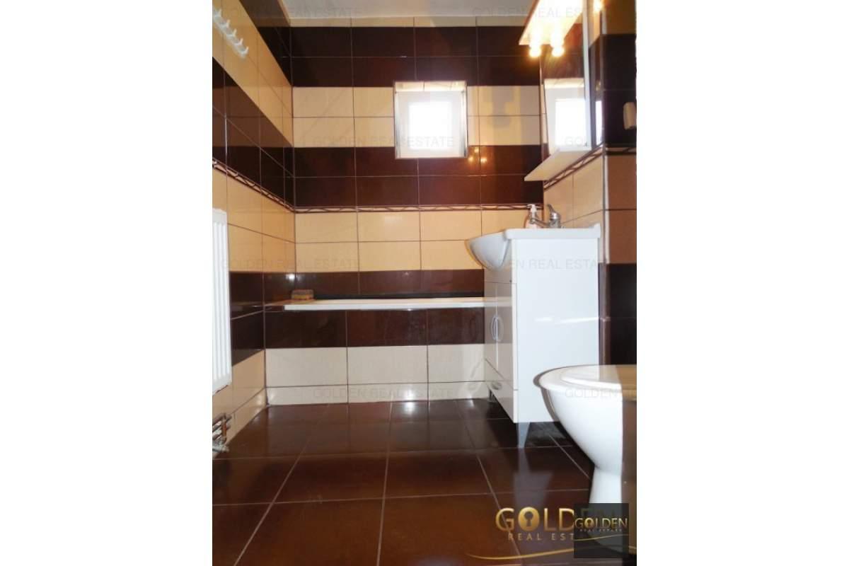 Inchiriez apartament 3 camere, zona Micalaca-300, decomandat, 98 mp, amenajat