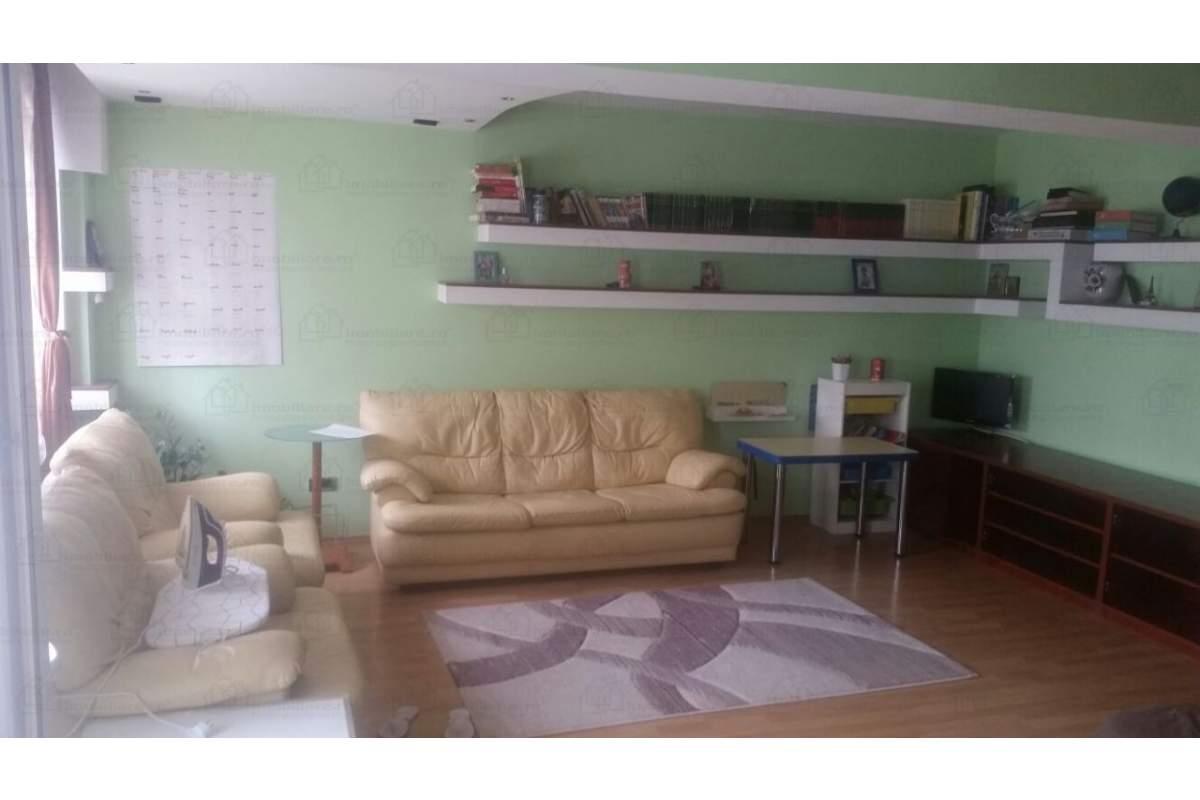 Inchiriez apartament 4 cam modif in 3 cam, in zona circulata langa metrou 420EUR