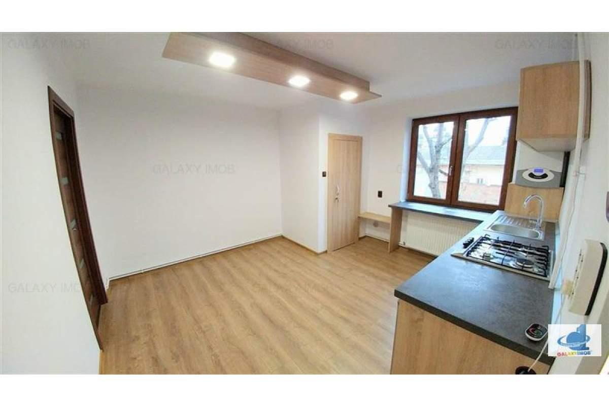 Inchiriez apartament lux pentru birou sau cabinet medical
