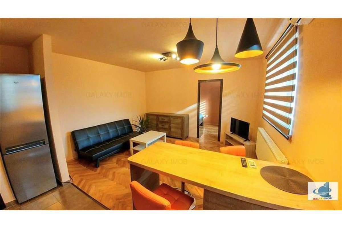 Inchiriez apartament lux,semicentral