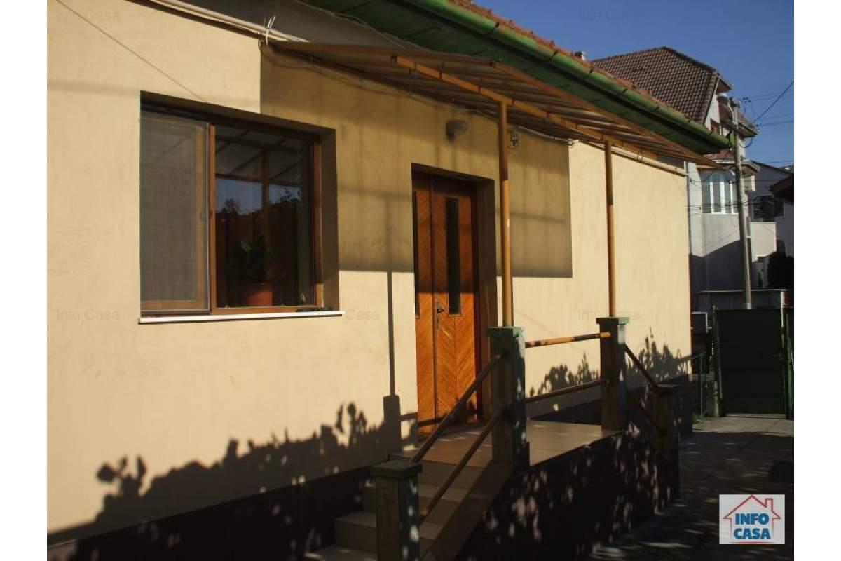 Inchiriez casa Deva