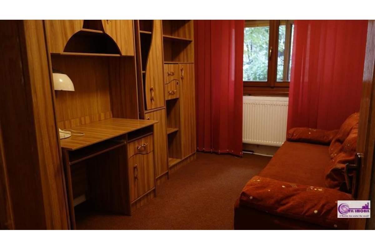 Independentei apartament 3 camere decomandat