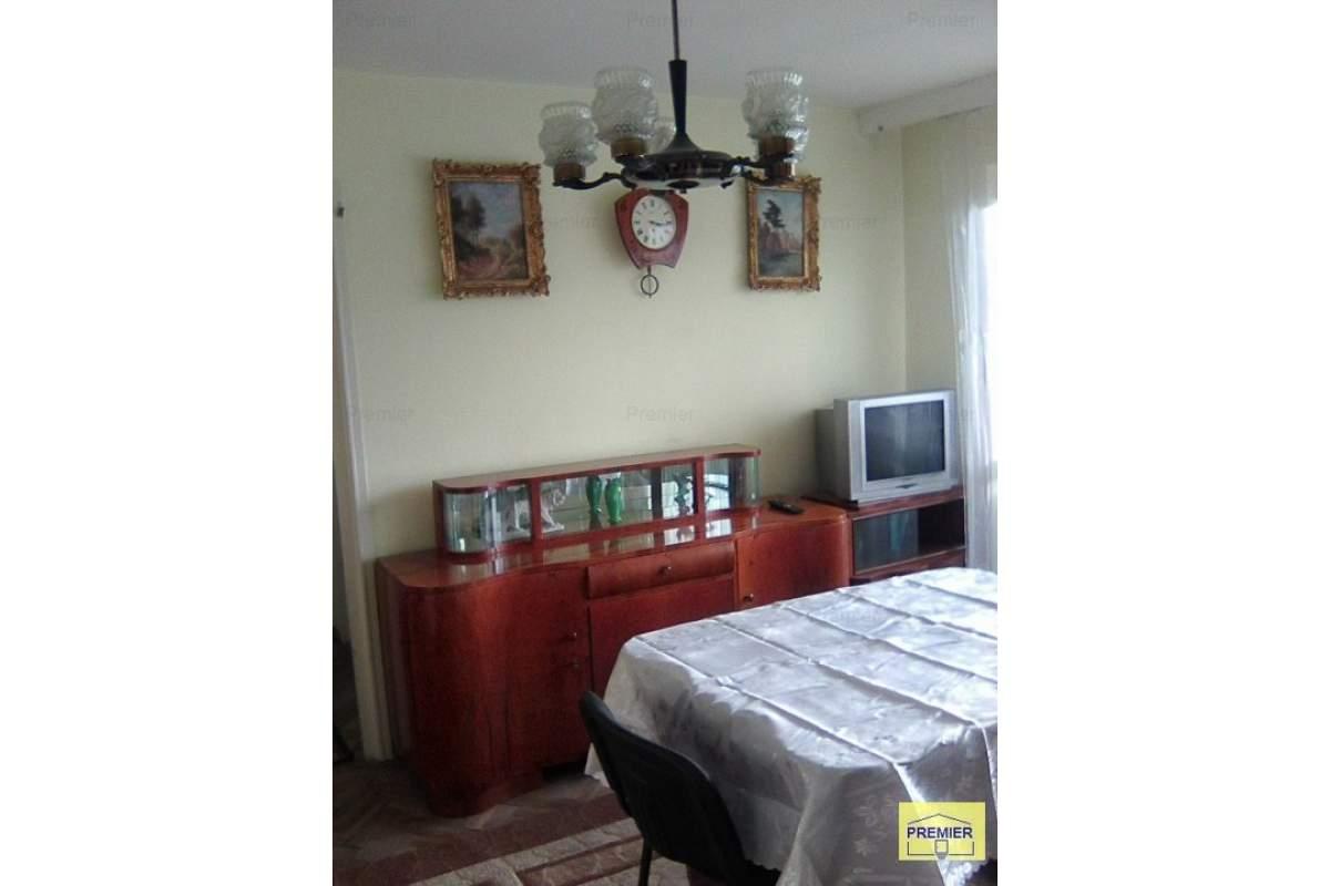 minerva,1/4, 2 camere, semidecomandat, mobilat, utilat, 250 euro