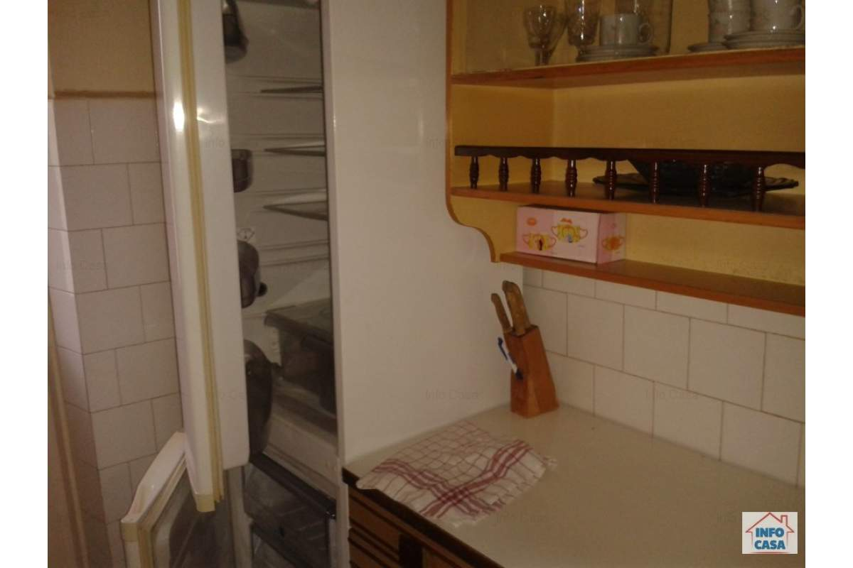 ofer de inchiriat apartament