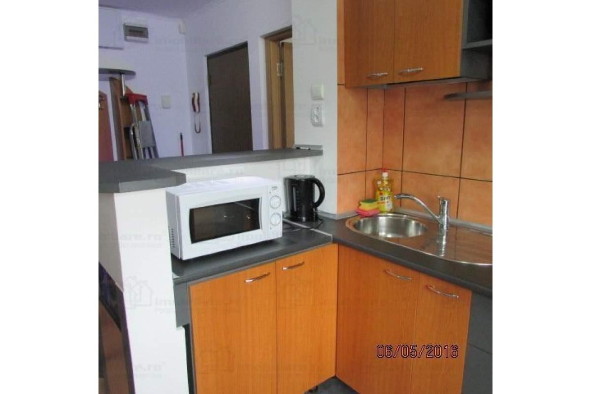 Proprietar - inchiriez apartament 2 camere