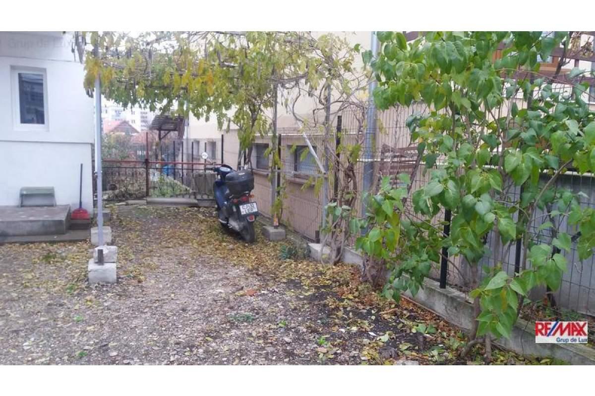 RE/MAX va ofera spre inchiriere casa 2 camere Andrei Muresanu