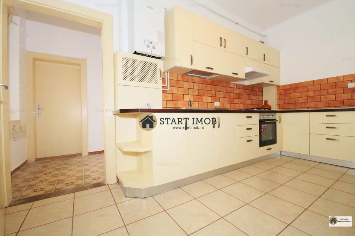 Startimob- Inchiriez apartament mobilat 4 camere in vila