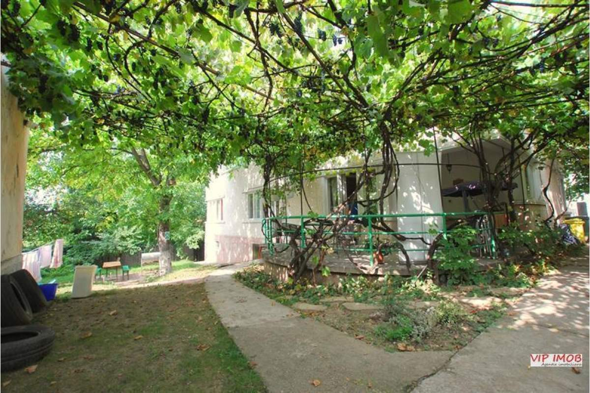 Vila 9 camere, pretabil hostel, zona Patria, Brasov