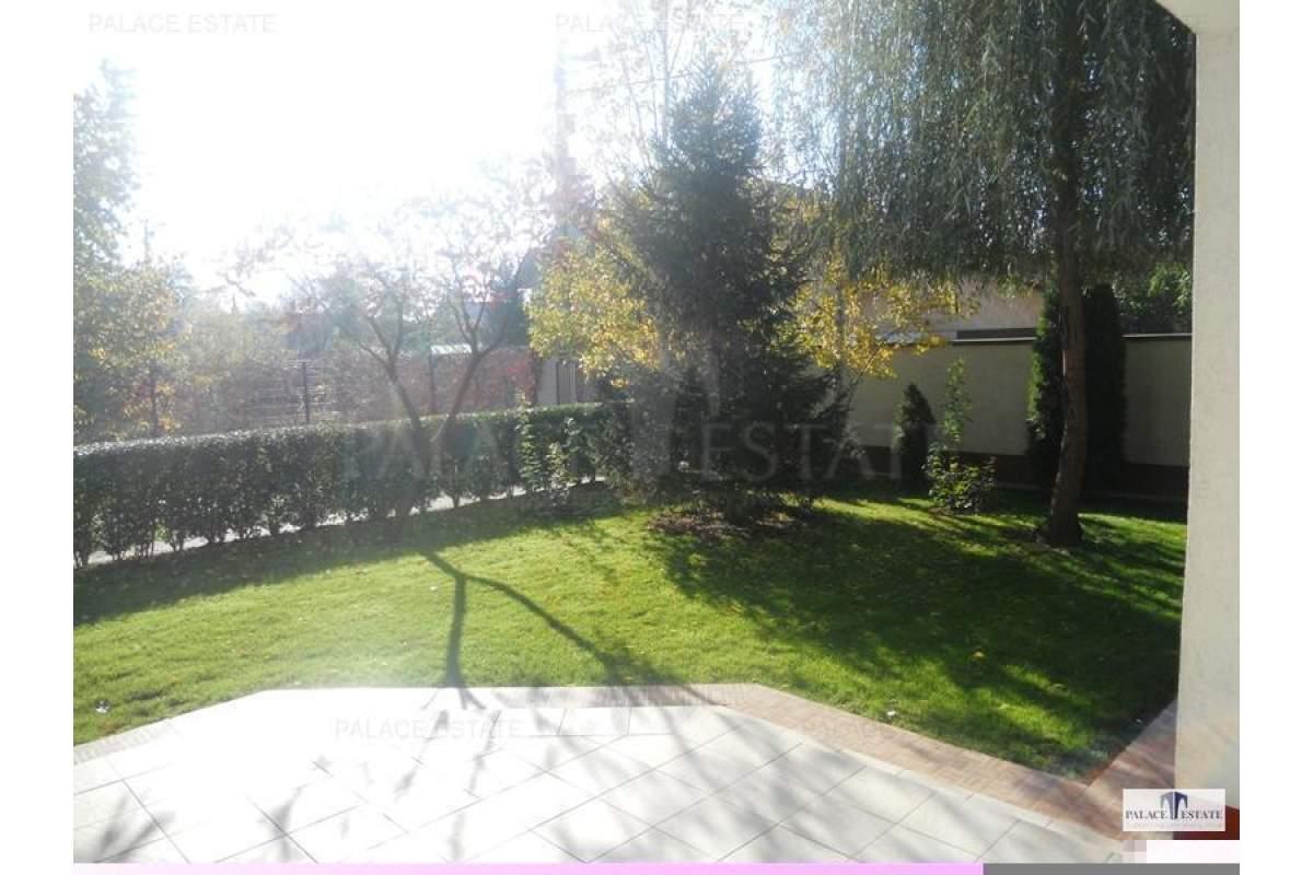 Vila cocheta localizata in apropiere de Iancu Nicolae