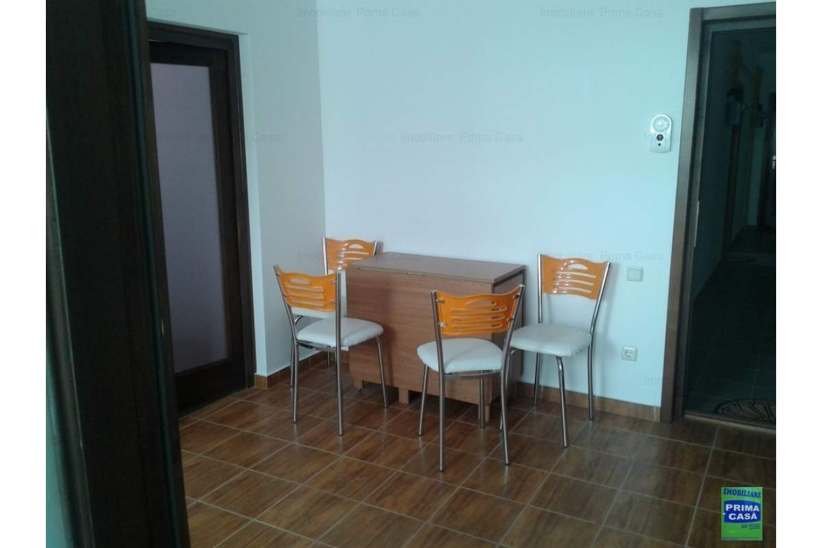ZONA Gold Plaza inchiriez apartament 1 camera,180euro/luna