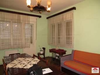 Apartament 2 camere + sufragerie, mobilat, zona centrala
