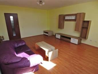 Apartament 3 camere, decomandat, zona Calea Moldovei