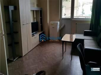Apartament 3 camere, Independentei - vis-a-vis umf