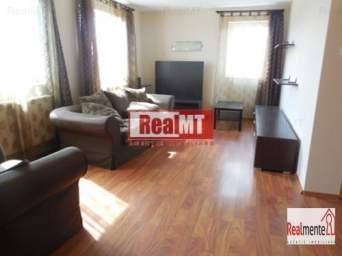 Apartament in vila, zona linistita