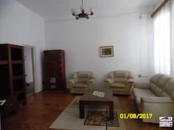 Casa cu 4 camere si gradina, zona Cetatii