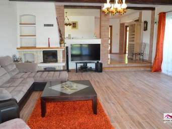 Casa de Inchiriat in Zona Baile Sarate Apollo, oferita de Fayora Imobiliare