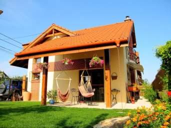 Casa pt pretentiosi, Europa, Cluj