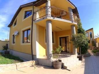 Casa / Vila cu 4 camere de inchiriat in zona Aradul Nou
