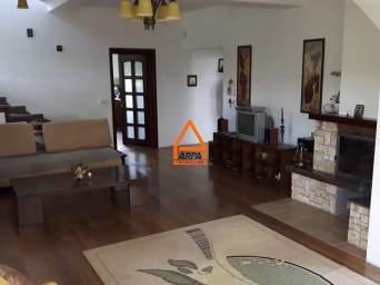 De inchiriat – Vila / Casa – 300 mp , 2500 mp teren – Bucium