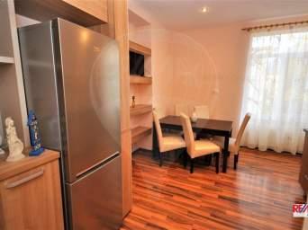 Inchiriere apartament 3 camere in casa zona Cetatii