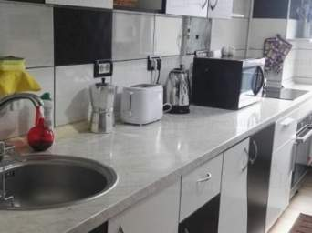 Inchiriez apartament 2 camere - zona Delfinariu -