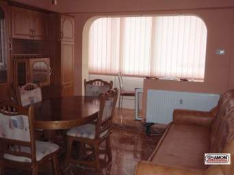 Inchiriez apartament 3 camere, Podgoria