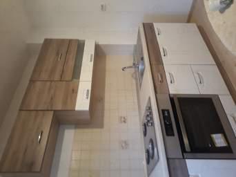 Inchiriez apartament 4 camere, renovat, centrala proprie