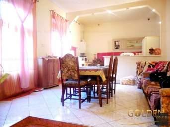 Inchiriez apartament 4 camere, zona Boul Rosu, 150 mp