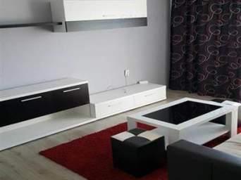 Inchiriez apartament cu 3 camere mobilat si utilat, in catrierul Tudor