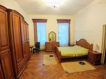 Inchiriez casa cu 4 camere mobilate si utilate , in zona Cetatii