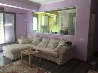 ofer spre inchiriere apartament cu 2 camere in cartierul Tomis Plus,mobilat lux.